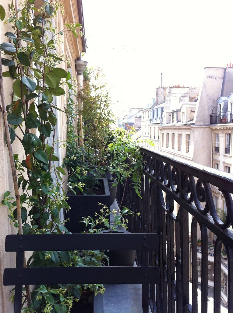 Amenagement petit balcon parisien am nagement balcon - Amenagement petit balcon parisien ...